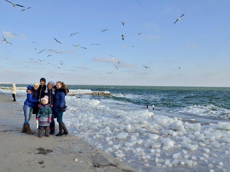 В Одессе шторм покрыл льдом набережную пляжа (ФОТО), фото-2