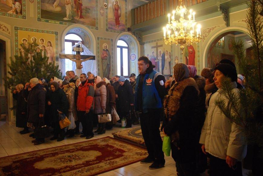 В православных храмах Бердянска прошли богослужения в честь Крещения Господнего (ФОТОРЕПОРТАЖ), фото-2