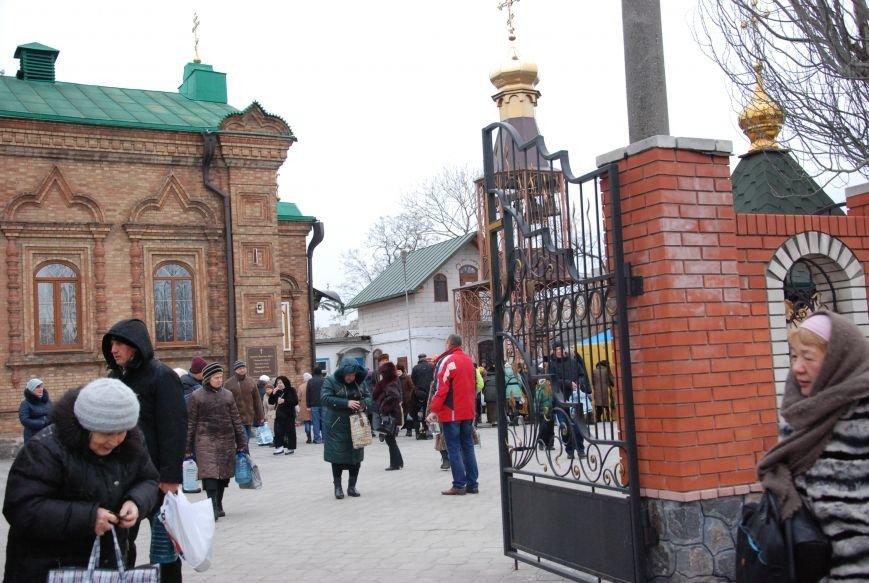 В православных храмах Бердянска прошли богослужения в честь Крещения Господнего (ФОТОРЕПОРТАЖ), фото-6