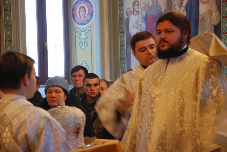 В православных храмах Бердянска прошли богослужения в честь Крещения Господнего (ФОТОРЕПОРТАЖ), фото-3