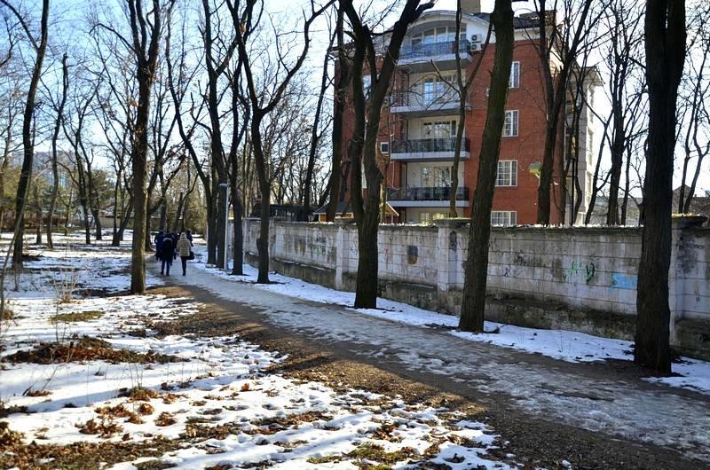 Коммунальщики не расчистили аллеи одесского парка (ФОТО), фото-11