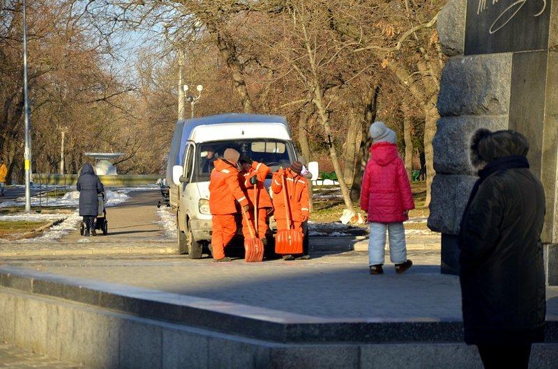 Коммунальщики не расчистили аллеи одесского парка (ФОТО), фото-9