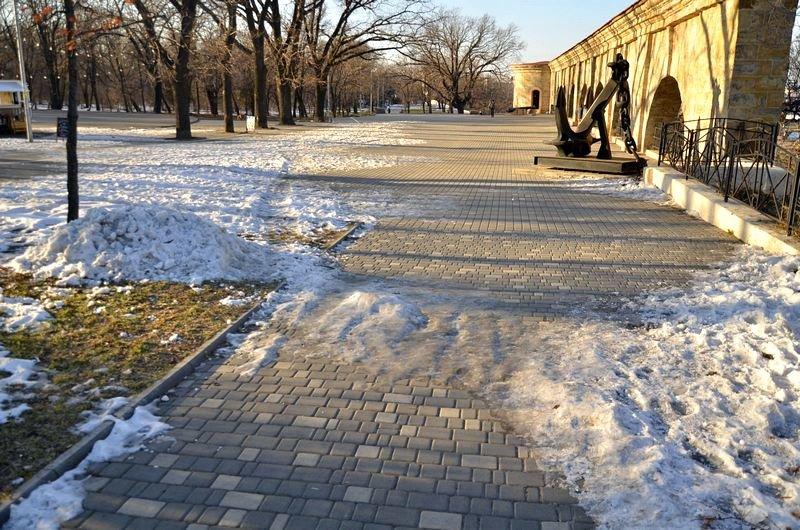 Коммунальщики не расчистили аллеи одесского парка (ФОТО), фото-2