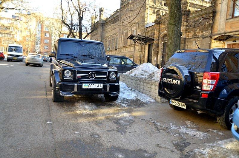 Одесские дворники набросали льда под колеса машин (ФОТО), фото-5