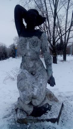 В Сумах вандалы ободрали медь со скульптуры (ФОТО), фото-2