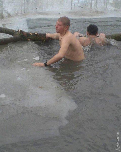 Крещение на фронте: морпехи окунулись в Азовское море под Мариуполем, фото-4