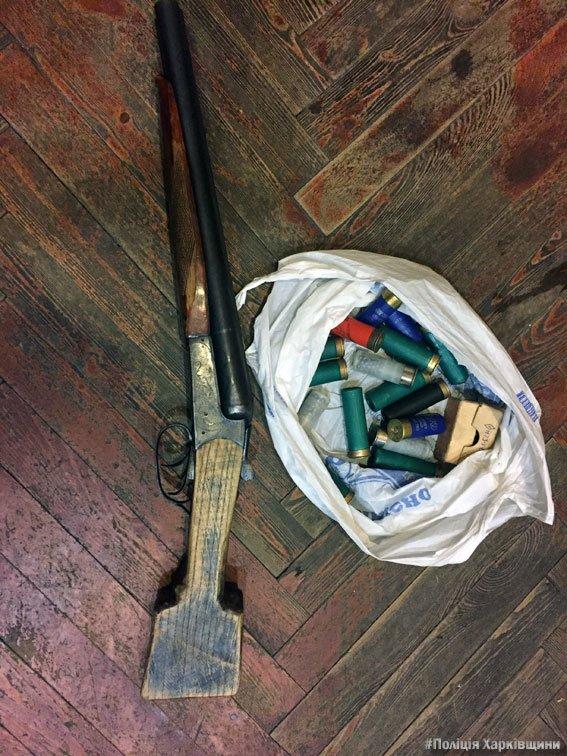 Под Харьковом на территории спортивного комплекса нашли схрон с оружием и боеприпасами (ФОТО), фото-2