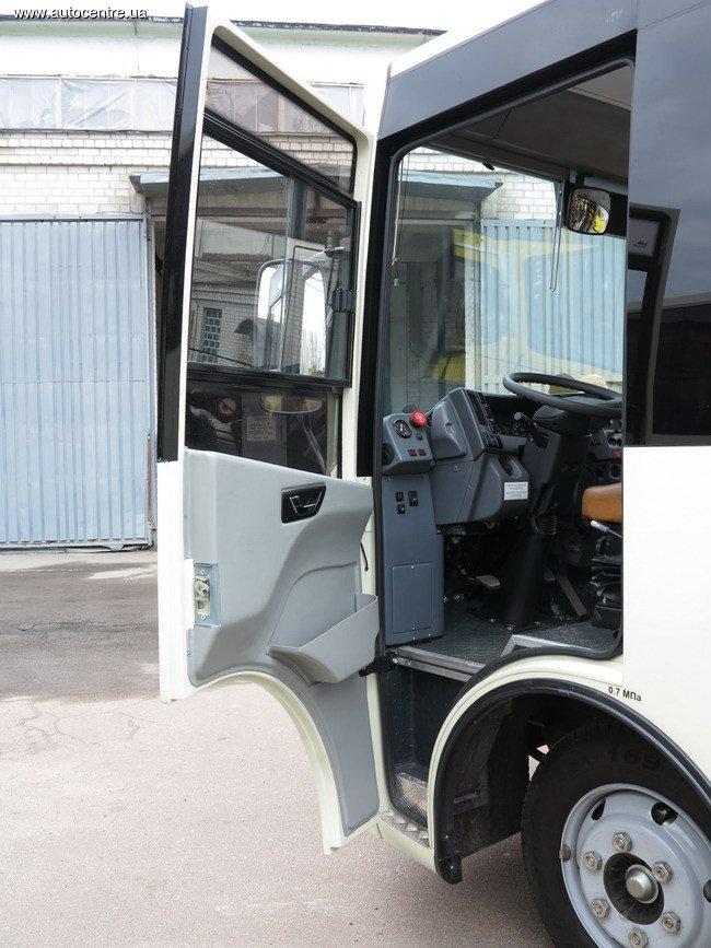 v-cherkassakh-vypustili-avtobus-standarta-evro-5_9