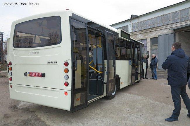 v-cherkassakh-vypustili-avtobus-standarta-evro-5_7