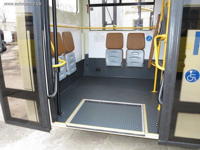 v-cherkassakh-vypustili-avtobus-standarta-evro-5_6