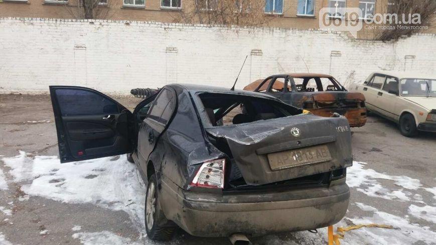 "В Мелитополе водитель Skoda ""влетел"" в электроопору, - ФОТО, фото-1"
