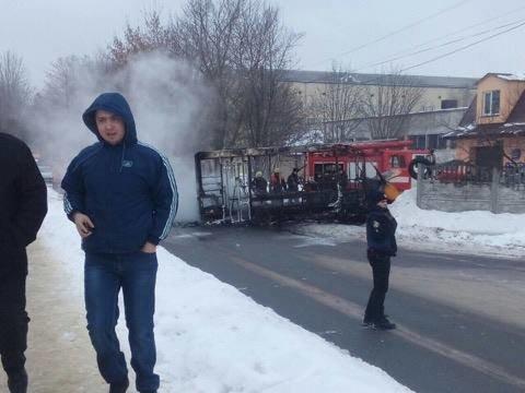 В Сумах загорелась маршрутка (ФОТО), фото-2