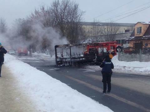 В Сумах загорелась маршрутка (ФОТО), фото-3