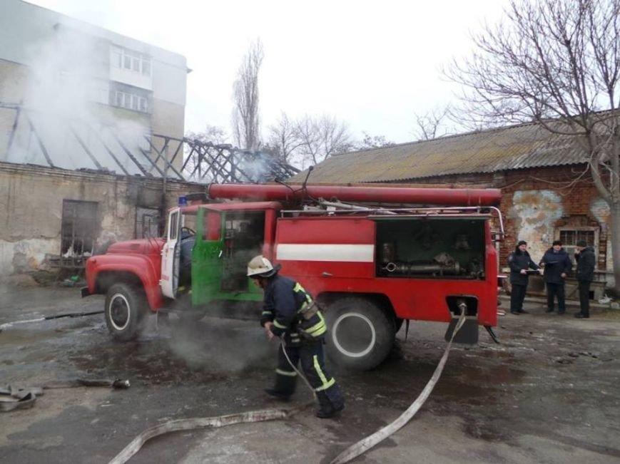 В Бердянске горело складское помещение, фото-3