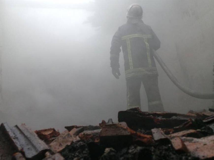 В Бердянске горело складское помещение, фото-5