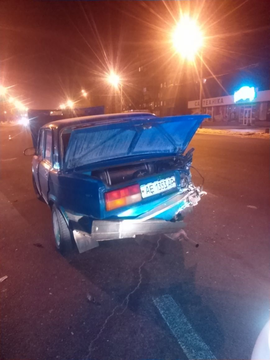 В Днепре в ДТП пострадали водитель и пассажир, фото-1