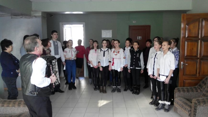 Авдеевцы присоединились  к областному флэш-мобу ко Дню Соборности (фото/видео), фото-1