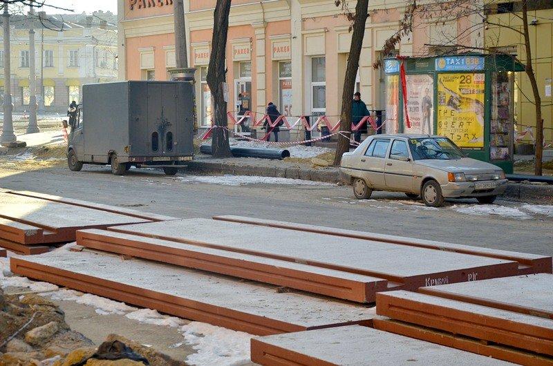Автохамы стали парковаться на Преображенской, про ремонт которой забыли у Труханова (ФОТО), фото-7