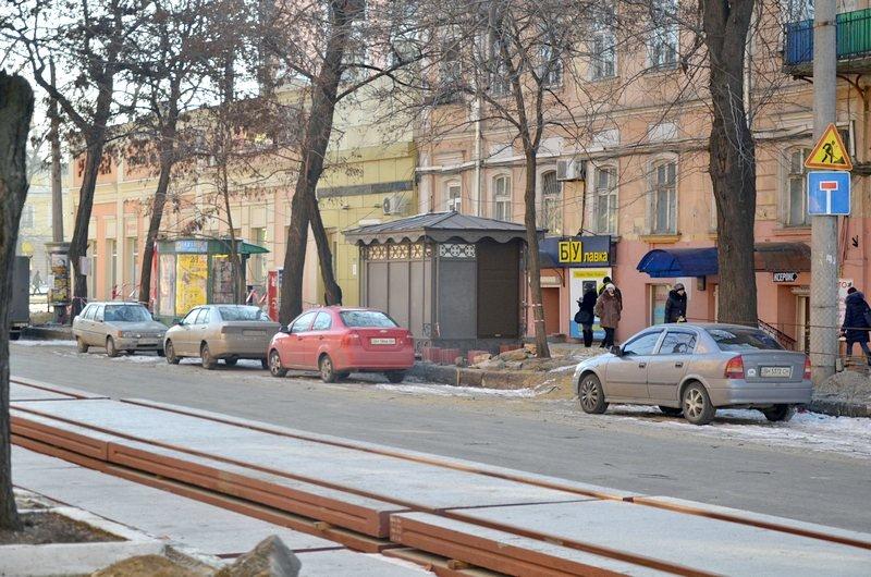 Автохамы стали парковаться на Преображенской, про ремонт которой забыли у Труханова (ФОТО), фото-6