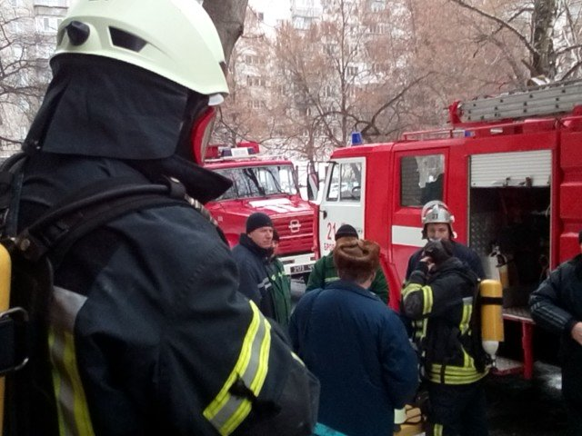 В Броварах рятувальники ліквідували пожежу в багатоповерхівці, фото-2