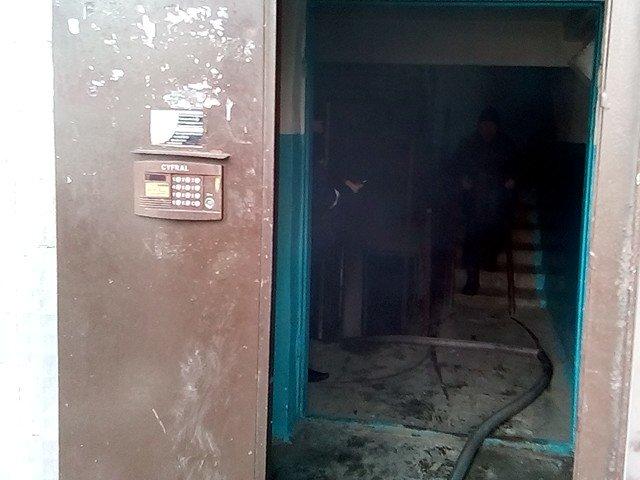 В Броварах рятувальники ліквідували пожежу в багатоповерхівці, фото-1