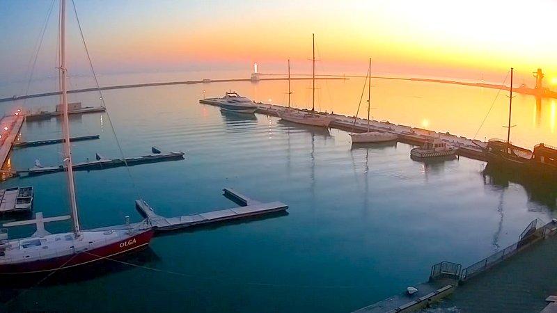 Живописный рассвет в одесском порту (ВИДЕО), фото-1