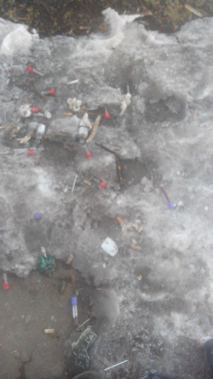 В Одессе на улице нашли пробирки с кровью, фото-2