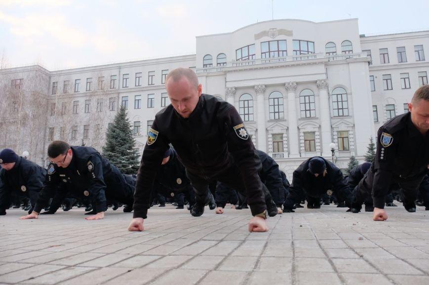 В Днепре полицейские устроили необычный флешмоб (ФОТО), фото-1