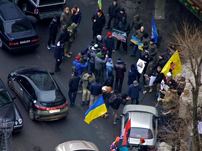 В Одессе возле консульства РФ собрались патриоты (ВИДЕО, ФОТО), фото-1