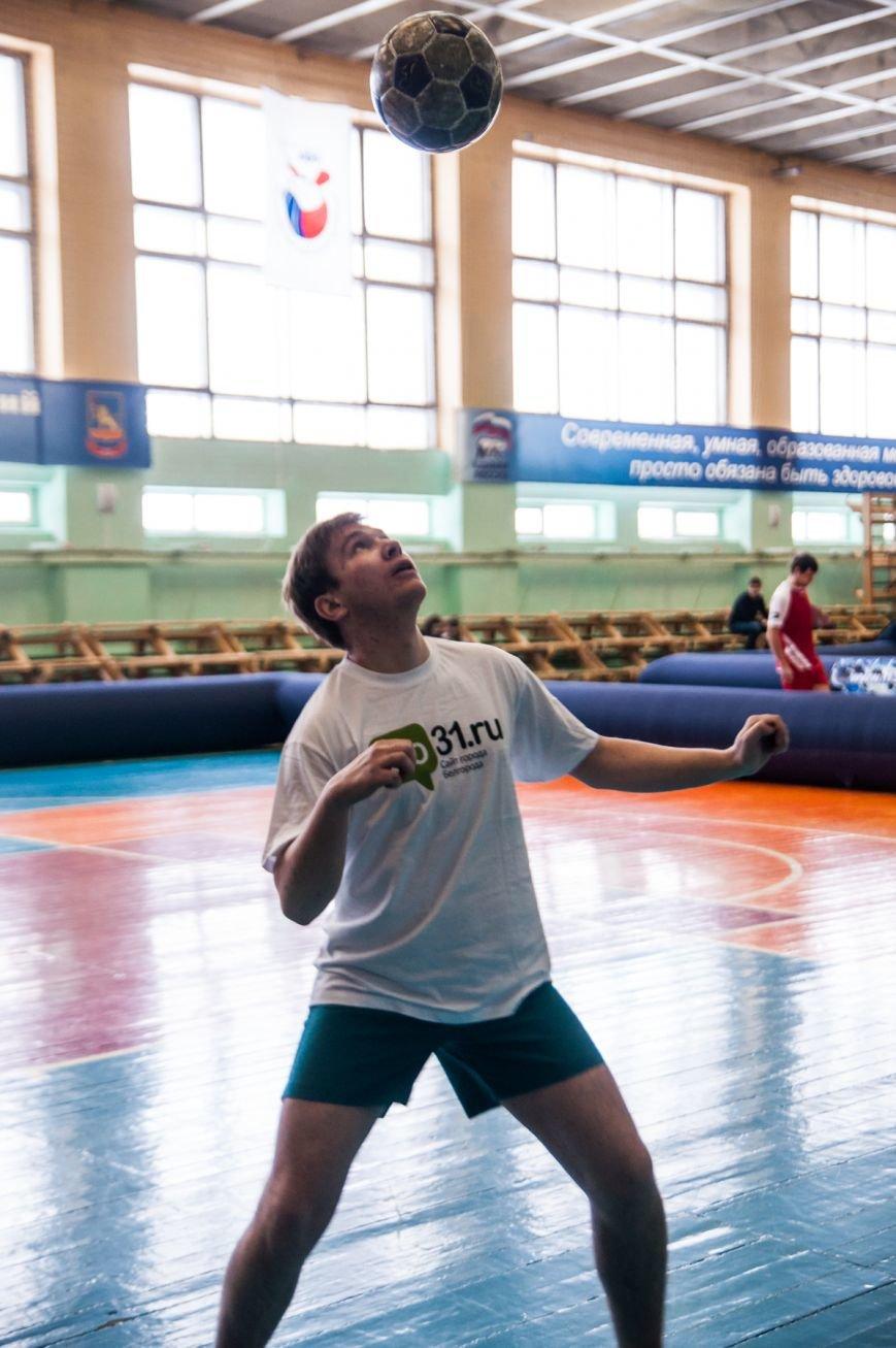 Журналисты-футболисты. Go31.ru заработал медали в турнире по футболу среди белгородских СМИ, фото-6