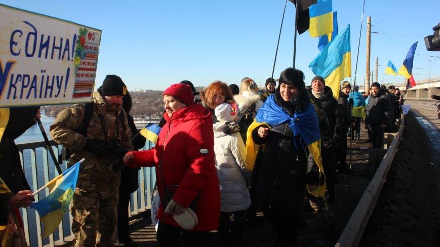Запорожцы соединили два берега Днепра живой цепью в честь Дня Соборности,- ФОТОРЕПОРТАЖ, фото-7