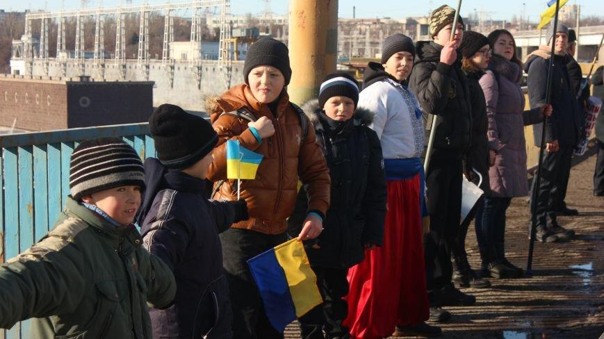 Запорожцы соединили два берега Днепра живой цепью в честь Дня Соборности,- ФОТОРЕПОРТАЖ, фото-11
