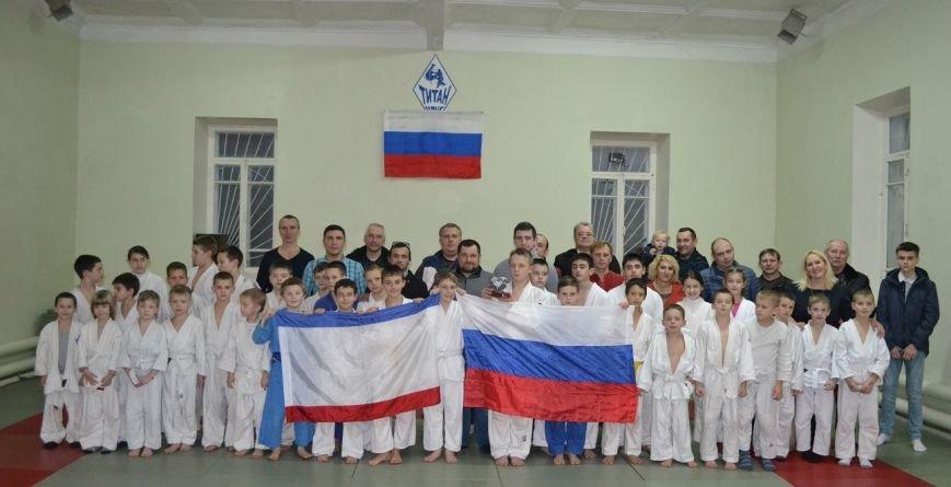 В День Республики Крым  Ялтинских спортсменов поздравили представители Федерации дзюдо России, фото-3