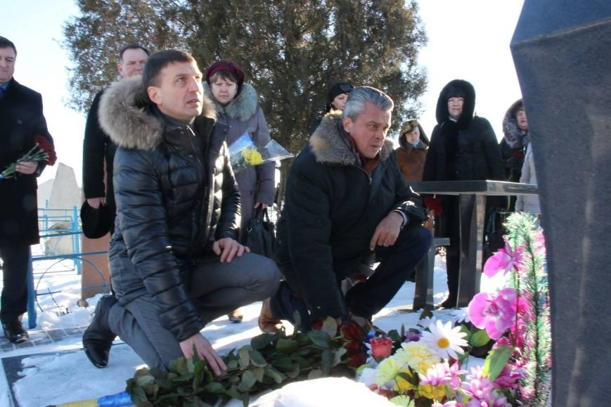 В Днепропетровской области возложили цветы к могиле Сергея Нигояна (ФОТО), фото-3