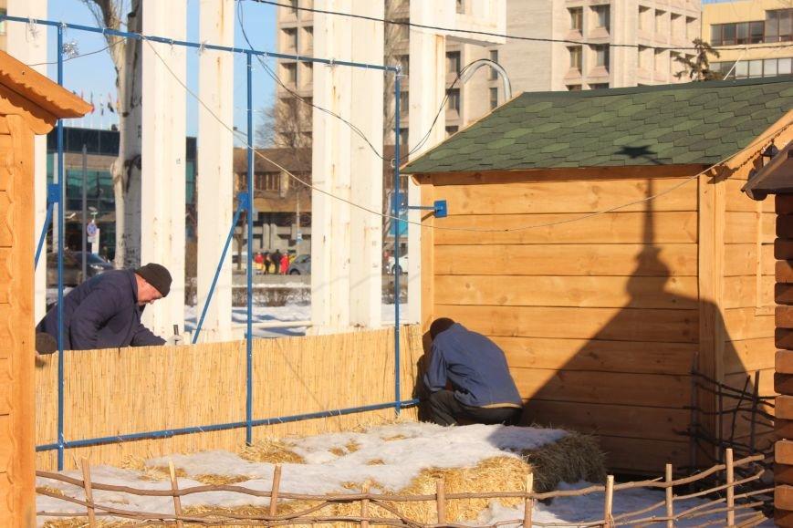 В Запорожье разбирают елку и новогодний городок, - ФОТОРЕПОРТАЖ, фото-4