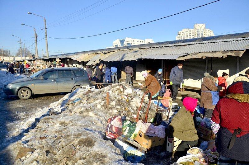После пожара на Привозе обчистили павильоны (ФОТО), фото-3