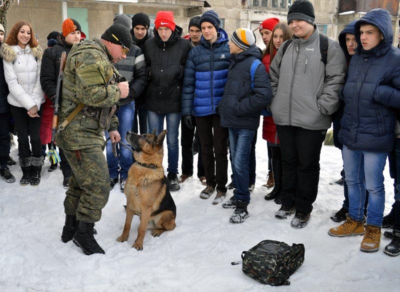 Авдеевским старшеклассникам  рассказали о работе полиции (ФОТО/ ВИДЕО), фото-5