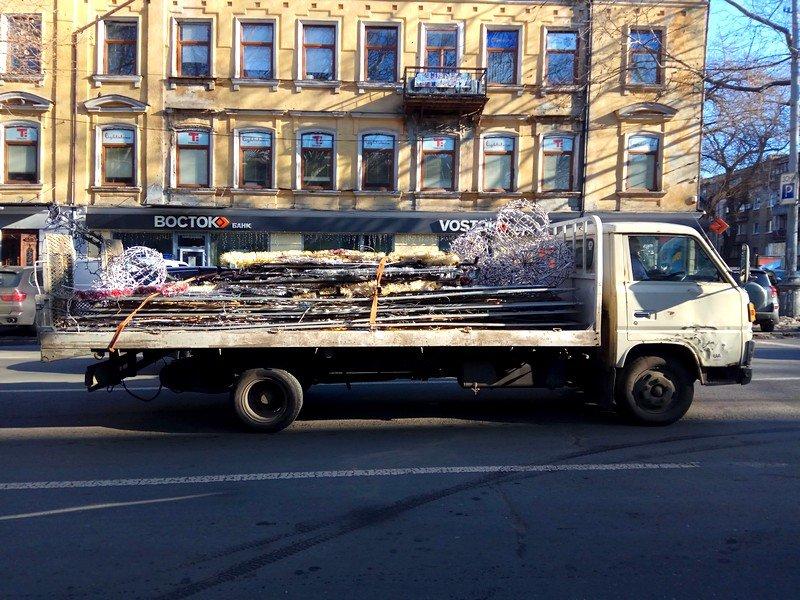 Новогодние украшения исчезнут с улиц Одессы (ФОТО), фото-1