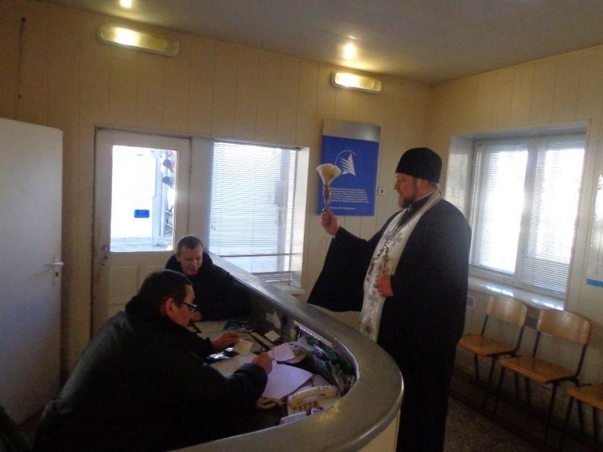 Благочинный Мелитополя окропил крещенской водой водителей и машины, фото-6