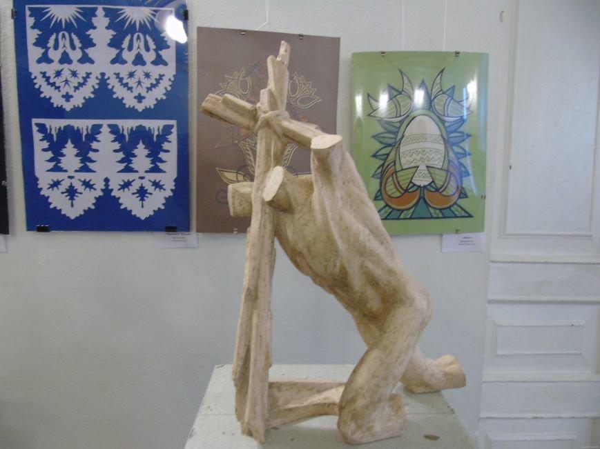 В Харькове проходит выставка проектов памятника героям Небесной Сотни  (ФОТО), фото-1