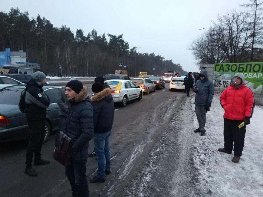 Протести під Києвом: перекривають дороги та палять шини (Фото, Відео), фото-3