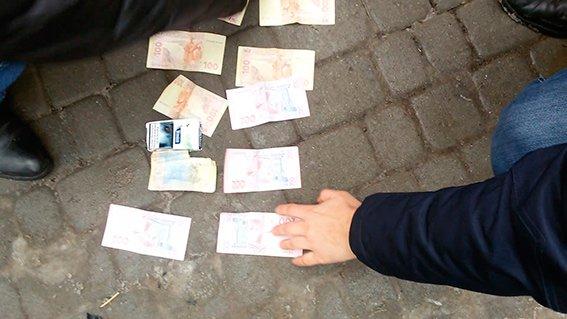 """На Буковину повернулися """"лихі 90-ті"""": кримінальний """"авторитет"""" погрожував підприємцю Калинки (Відео), фото-1"""