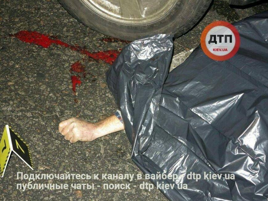 Ужасная авария: возле Жулянского моста под колеса авто попал пешеход нарушитель (ФОТО 18+), фото-7