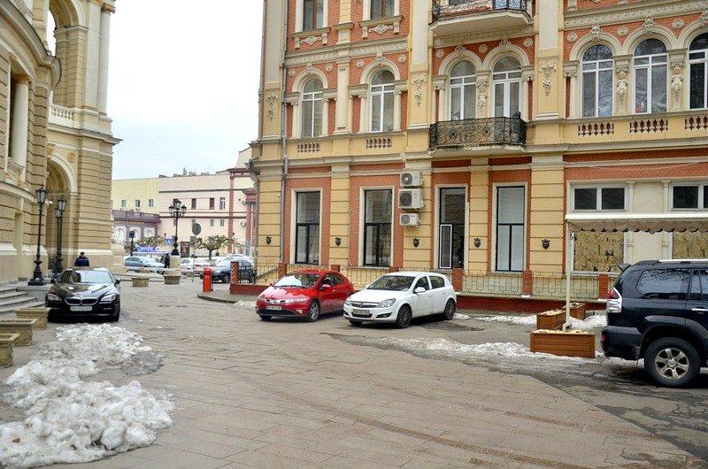 Под одесским оперным даже не думали убирать снег (ФОТО), фото-7
