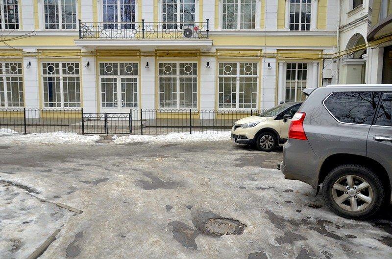 Под одесским оперным даже не думали убирать снег (ФОТО), фото-3