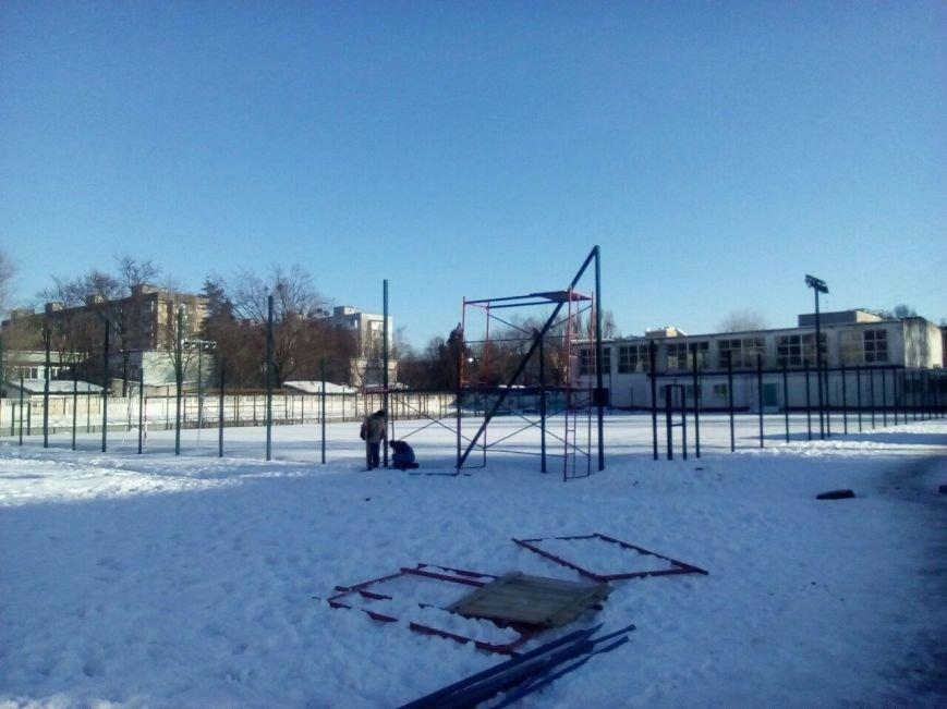 Новомосковск 0569 стадион 4