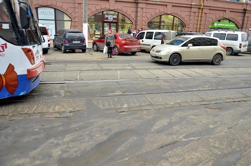 Трамвай возле Привоза сошел с рельсов на ровном месте, фото-5