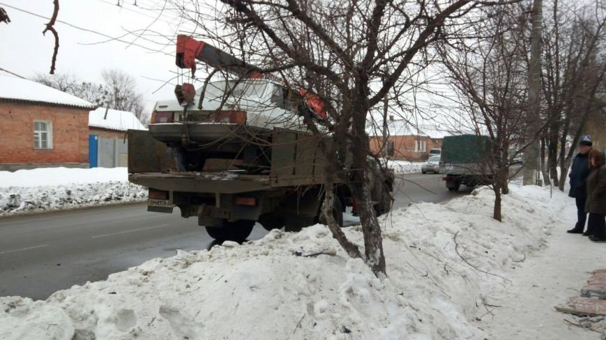 В Сумах автомобиль протаранил забор (ФОТО), фото-3