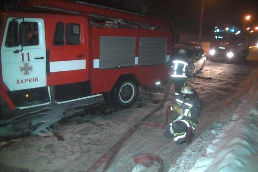 В Харькове спасатели тушили пожар два часа из-за горевшего растворителя (ФОТО), фото-1