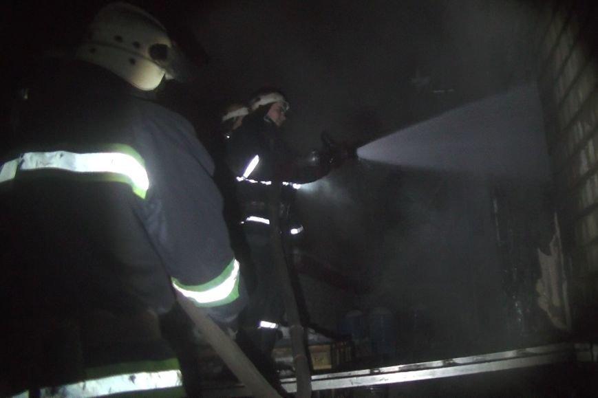 В Харькове спасатели тушили пожар два часа из-за горевшего растворителя (ФОТО), фото-4